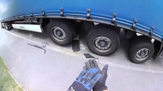 6. A kamionos. Kerékcsere a pótkocsin!
