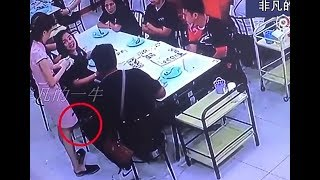 Video Camera caught while taking upskrit picture of waitress MP3, 3GP, MP4, WEBM, AVI, FLV Agustus 2018