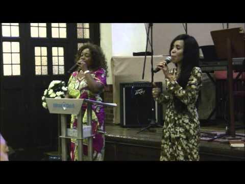 Maman Noelie bile UN TEMOIGNAGE EDIFIANT (видео)