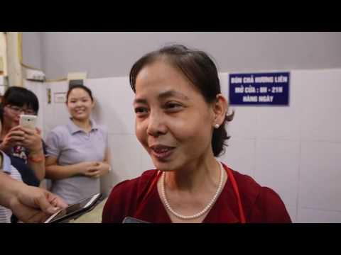 Phỏng Vấn Bà Chủ Quán Bún Chả nơi Tổng Thống Obama ăn tại Hà Nội