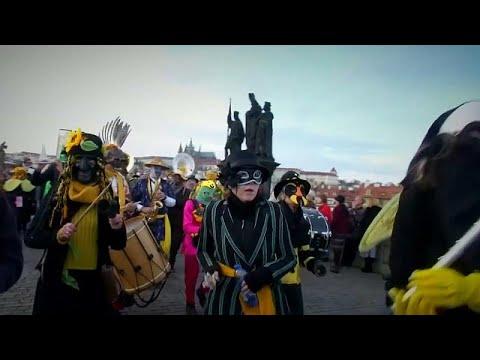 Τσεχία: Εκδηλώσεις για τα 30 χρόνια της Βελούδινης Επανάστασης…