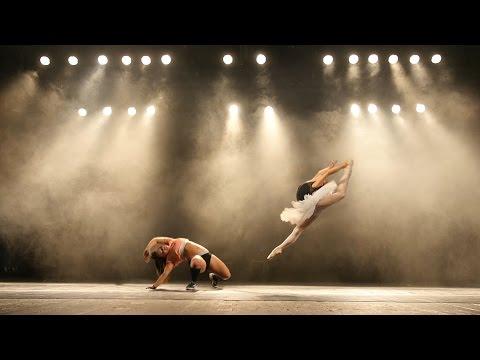 Video Ballet versus Twerk in National Theatre Brno download in MP3, 3GP, MP4, WEBM, AVI, FLV January 2017
