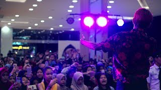 Video YOUNG LEX - Nyeselkan (Live @ At Ganaskustik, Grand Galaxy Park Bekasi) MP3, 3GP, MP4, WEBM, AVI, FLV Januari 2019