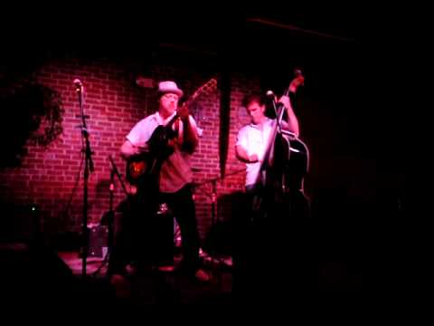THE Domino Kings - Spanish Song (Les Gallier, Stevie Newman, Brian Capps)