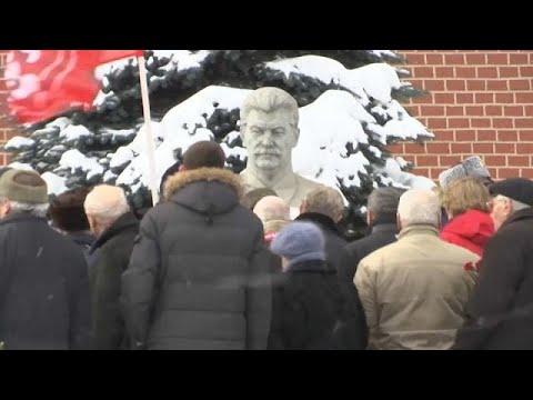 Zum 65. Todestag: Zahlreiche Menschen gedenken Dikt ...
