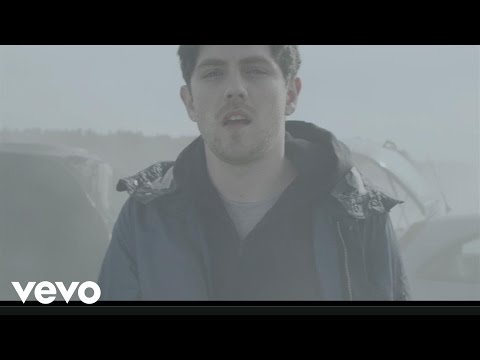 Atlantic - Twin Atlantic's official video for Brothers And Sisters. Buy the new album 'Great Divide' here:http://smarturl.it/greatdivide Buy the deluxe edition of 'Grea...