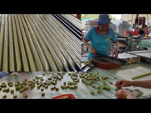 Cận cảnh quy trình quy trình cắt kẹo dừa Bến Tre cực đỉnh - Thời lượng: 16 phút.