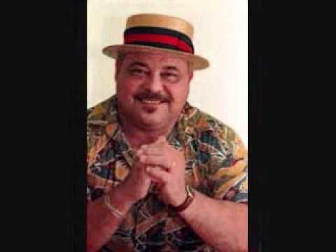 El hombre increíble - Marvin Santiago