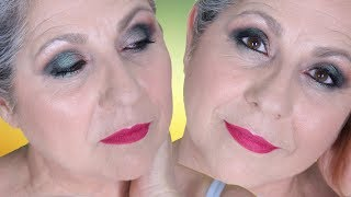 ***ABRID LA CAJITA ***ENLACES DE INTERÉS***********************Vídeo sobre el maquillaje de rostro https://www.youtube.com/watch?v=74gjpsE9FwYPRODUCTOS UTILIZADOS**************************1.- Las paletas Vice2 y Vice 4 de Urban Decay son de colección por lo que no os puedo poner enlace pero en el vídeo os voy describiendo las sombras, además de verlas, y seguro que tenéis sombras similares en casa.2.- Prebase de párpados en Sephora internacional, pero quizás lo encontréis también en AMazon http://www.sephora.com/24-hour-photo-finish-shadow-primer-P385398?skuId=1575000&icid2=products%20grid:p3853983.- Lápiz Turnish de Mac   http://www.primor.eu/catrice/34001-better-than-waterproof-mascara-voluminizadora.htmlhttp://www.maccosmetics.es/products/spp/shaded.tmpl?CATEGORY_ID=CAT151&PRODUCT_ID=PROD323&SKU_ID=SKU14504.- Better than waterproof de Catrice http://www.primor.eu/catrice/34001-better-than-waterproof-mascara-voluminizadora.html🎼 🎼  MÚSICA           *********Believer de Silent Partner  de la biblioteca de audio de YT, libre de derechos de autorME PODÉIS ENCONTRAR EN***************************** ➡  https://www.facebook.com/rosa.sevilla.9?ref=tn_tnmn➡  https://www.facebook.com/MakeUpMasDe40?ref=hl➡  En Instagram       Makeupmasde40➡  Y en Twitter         MakeUp+40Y si os queréis poner en contacto conmigo💻   makeupmasde40@gmail.comMuchas gracias !!!🎥  GRABO CON CANON EOS 700D💻  EDITO CON IMOVIE