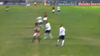 Flamengo 1 x 0 Coritiba - Gols e Melhores Momentos - Brasileirão 2011Flamengo 1 x 0 Coritiba - No fim Jael marca e a liderança - Brasileirão 2011Flamengo 1 x 0 Coritiba - Aos 44 do 2º tempo, Jael marca - Brasileirão 2011-------------FLAMENGO : Felipe, Léo Moura, Welliton, David Braz e Júnior César;Willians, Renato Abreu, Muralha (Bottinell)i e Thiago Neves (Diego Maurício);Ronaldinho Gaúcho e Deivid (Jael).Técnico: Vanderlei Luxemburgo.CORITIBA : Edson Bastos, Jonas, Jéci, Emerson e Lucas Mendes (Eltinho);Leandro Donizete, Léo Gago, Tcheco (Maranhão) e Rafinha;Bill e Marcos Aurélio (Davi).Técnico: Marcelo Oliveira.