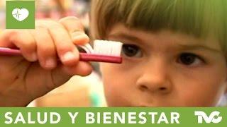 Cómo cuidar los dientes de los niños - DW