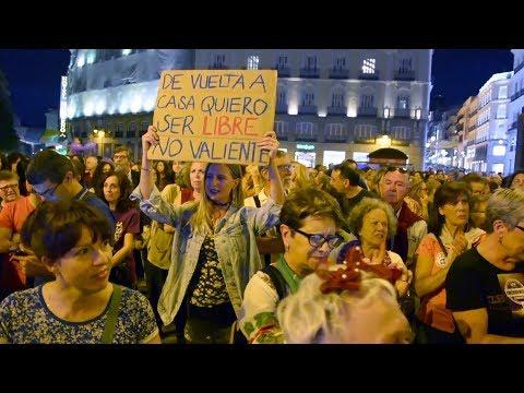 Manifestations de protestation contre les violences faites aux femmes