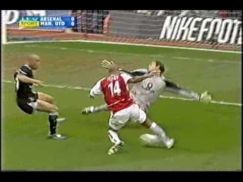 Arsenal V Manchester United 03/04