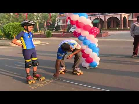 Indian Boy Made World Record in Slalom Skating - Live Video (видео)