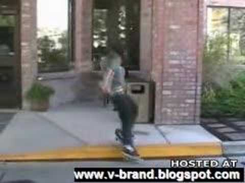 Skater Smashes his Face