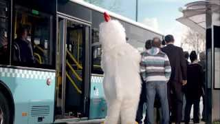 Popeyes Terbiyeli Tavuk Reklamı - Otobüs