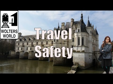 14 Ways To Travel Safer