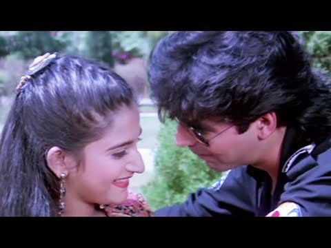 Video Akshay Kumar gets cozy with Mohini - Dancer, Romantic Scene 4/10 download in MP3, 3GP, MP4, WEBM, AVI, FLV January 2017
