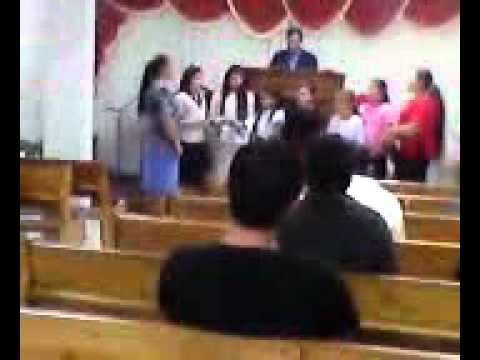 meninas cantando na igreja deus e amor de massaranduba