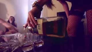 Enola Gay - Prachy (oficiální videoklip)