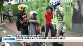 """Video Ibu Jatuh dari Motor, si Anak """"Marahin"""" Polisi MP3, 3GP, MP4, WEBM, AVI, FLV Februari 2018"""