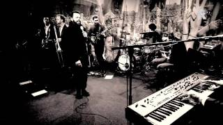 Myles Sanko - Just Being Me - Live uit Lloyd