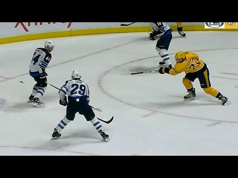 Video: Predators score twice in 21 seconds against Jets to end period