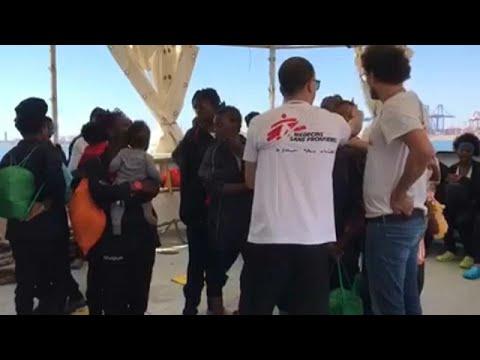 Το τέλος της περιπέτειας των μεταναστών του Aquarius