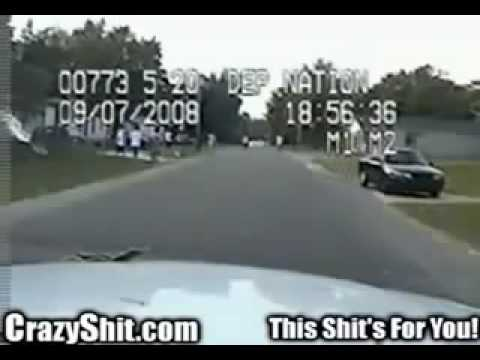 Police brutality : Racist cop violates civil rights