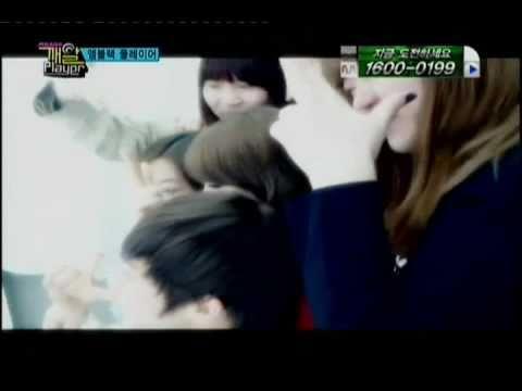 110414 Jiyeon take a photo with Joon. cut