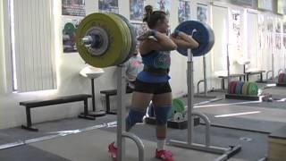Jessica front squats 131kg and 133kg. - We