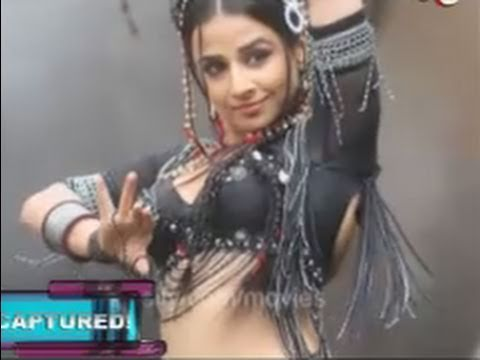 Navel souza genelia d hot