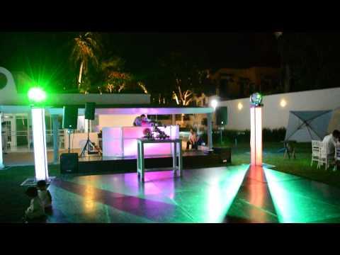 Empezando evento noche Teques DJ PARA BODAS