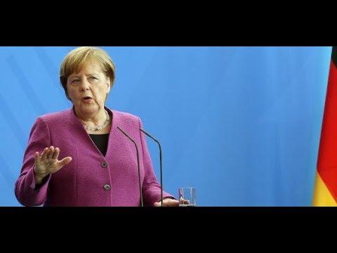 Bundeskanzlerin Angela Merkel unterstützt den Militärei ...