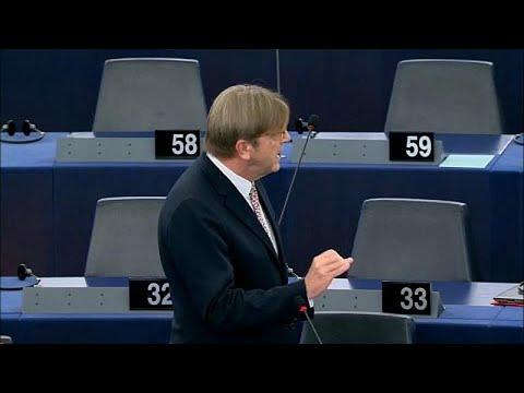 Πυρ ομαδόν στο Ευρωκοινοβούλιο κατά της κυβέρνησης Μέι…