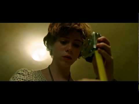IT (2017) - Beverly Bloody Bathroom Scene - Dead Kids In The Sink