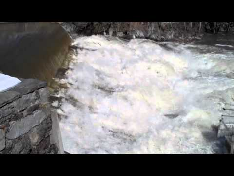Flood Manhan River in Easthampton, Mass. 03-08-11