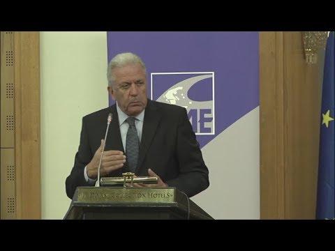 Δ. Αβραμόπουλος: «Δεν πρέπει να συγχέεται το μεταναστευτικό με την τρομοκρατία»