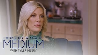 Video Tori Spelling Connects to Her Late Best Friend | Hollywood Medium with Tyler Henry | E! MP3, 3GP, MP4, WEBM, AVI, FLV Desember 2018