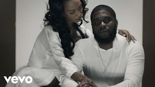 Big K.R.I.T. vídeo clipe Pay Attention (feat. Rico Love) (Explicit)