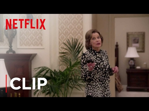 Arrested Development Season 4 (Clip 'Security Cameras')