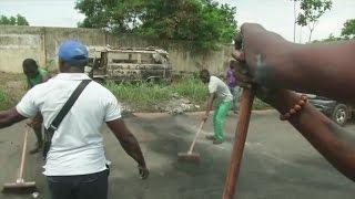 Libreville Gabon  city photos : Gabon, Après les heurts , l'heure est au nettoyage à Libreville et à Owendo