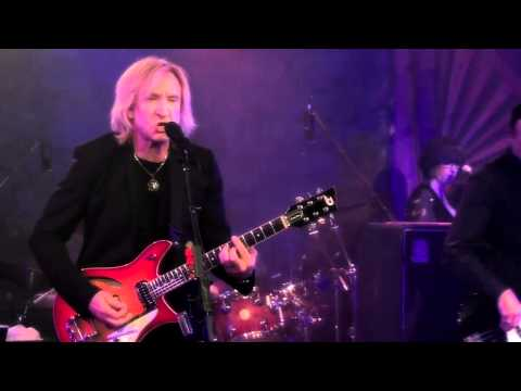 Joe Walsh: Analog Man (Live at the Troubadour in West H ...