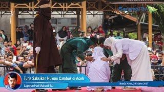 Turis Saksikan Hukum Cambuk di Aceh