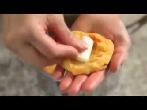 gustose frittelle di patate al forno ripiene di formaggio