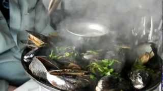 Sizzling Iron Skillet Roasted Mussels at the Crab House - Pier 39, San Francisco
