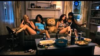 Ted (par le créateur des Griffin) - Bande Annonce Officielle (VF avec la voix de JoeyStarr) - YouTube