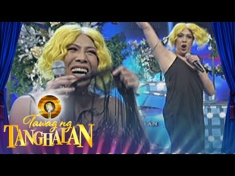 Tawag ng Tanghalan: Vice shows his armpit