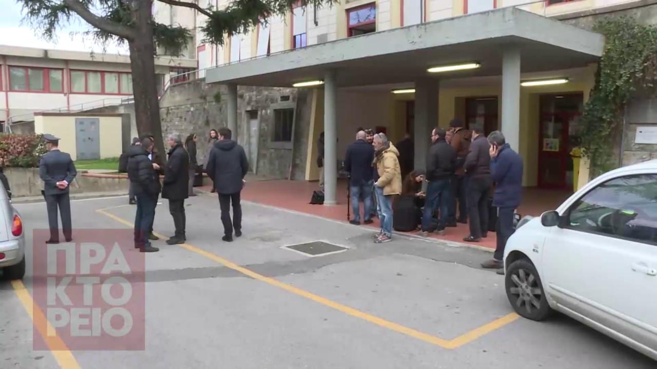 Οι Ιταλοί ψηφίζουν στο δημοψήφισμα για το Σύνταγμα