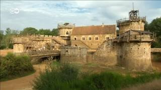 França ergue castelo com técnicas medievais